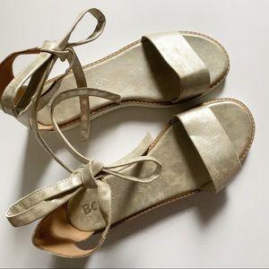 BC• metallic strapped platform sandal